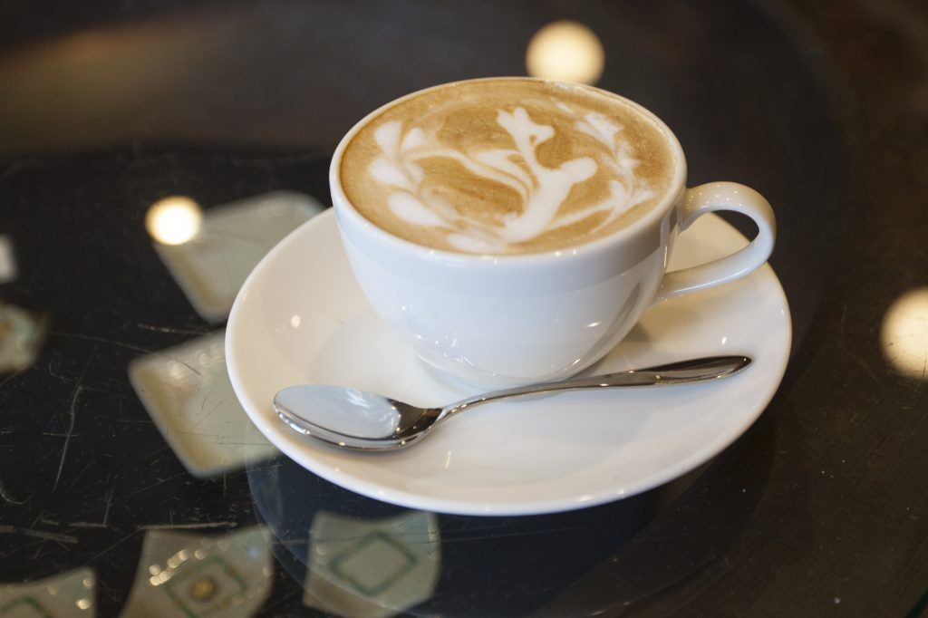 美味しいコーヒーを味わう 渋草焼・小糸焼陶器専門店